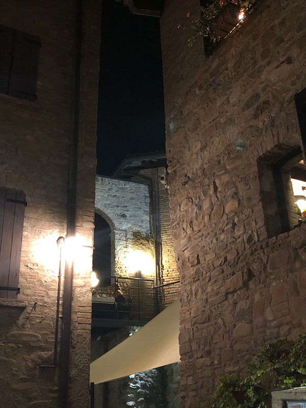 Notte in Cantina